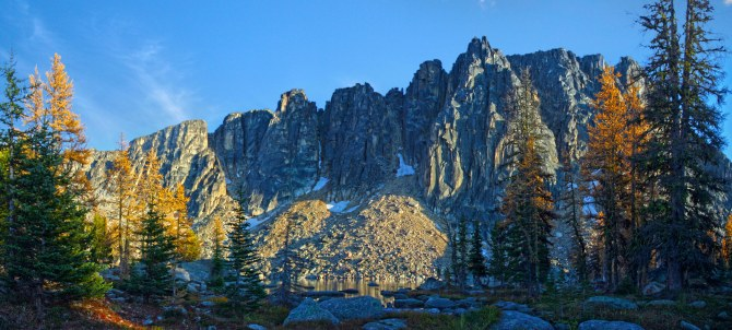 amphitheater mountain from upper cathedral lake and sunset2em