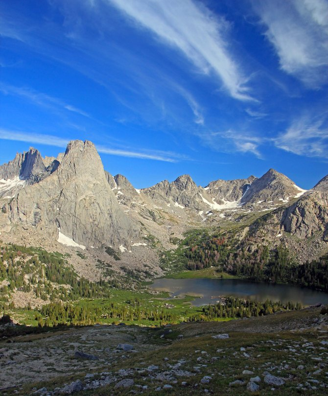 Pingora Peak and Lonesome Lake, Wind River Rnage, Wyoming em