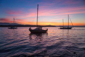 sunset boats em