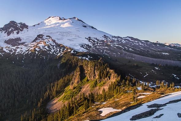 Mount Baker. Te ridge on the right is Railroad Grade