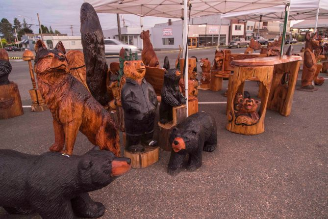 Sedro-Woolley Chainsaw Carving