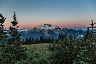 glacier-peak-morning-light