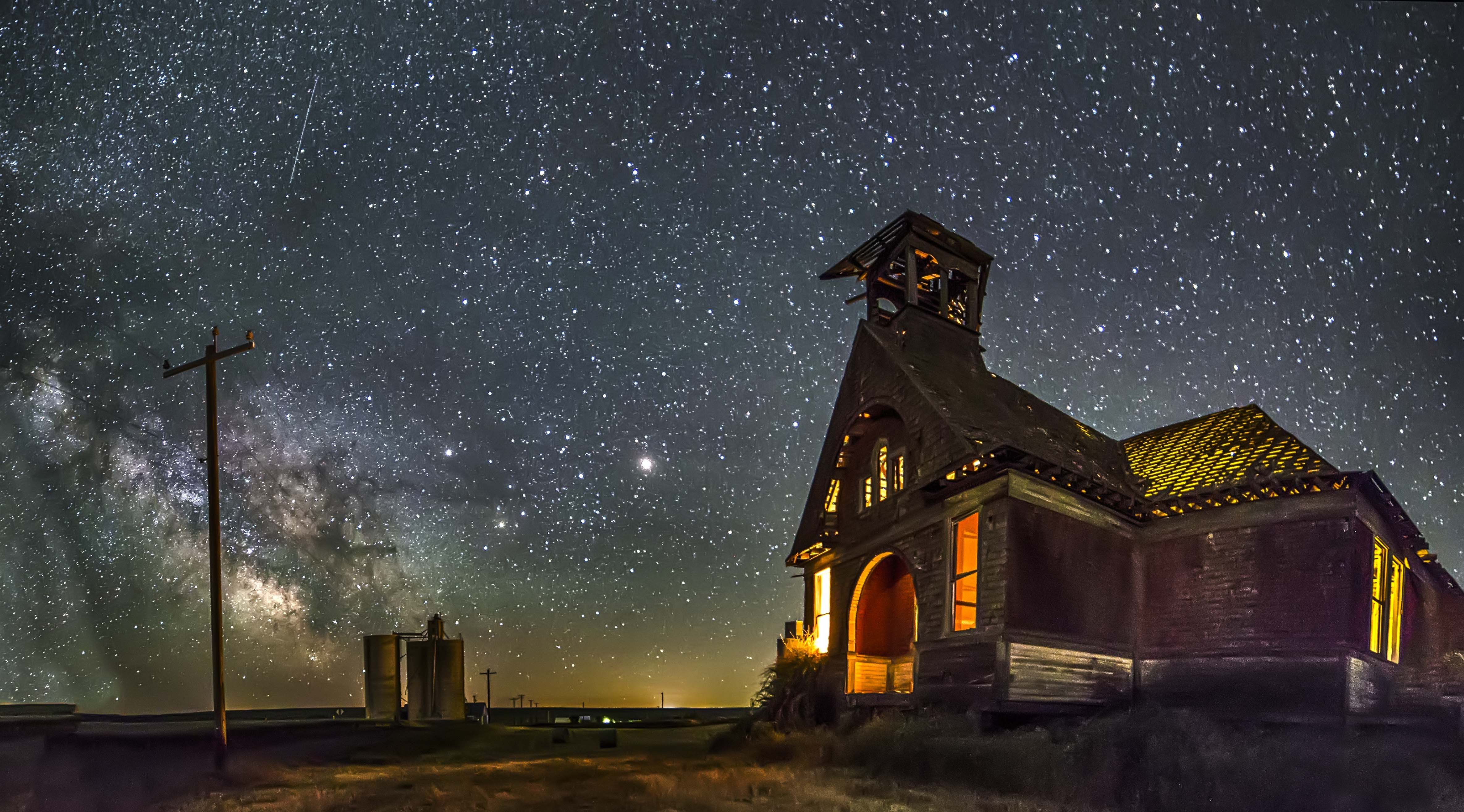 Govan Schoolhouse, Wilbur, Washington | North Western Images - photos by  Andy Porter