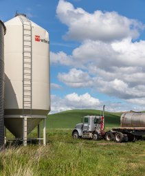 Palouse-Truck-and-Water-Tower