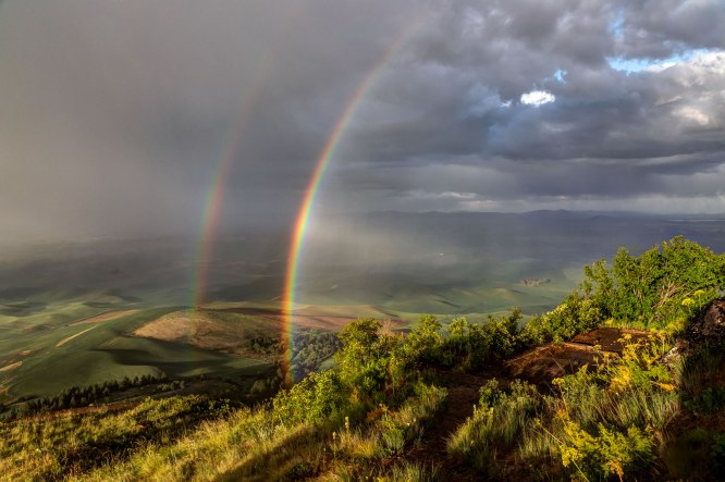 Double-Rainbows-from-Steptoe-Butte